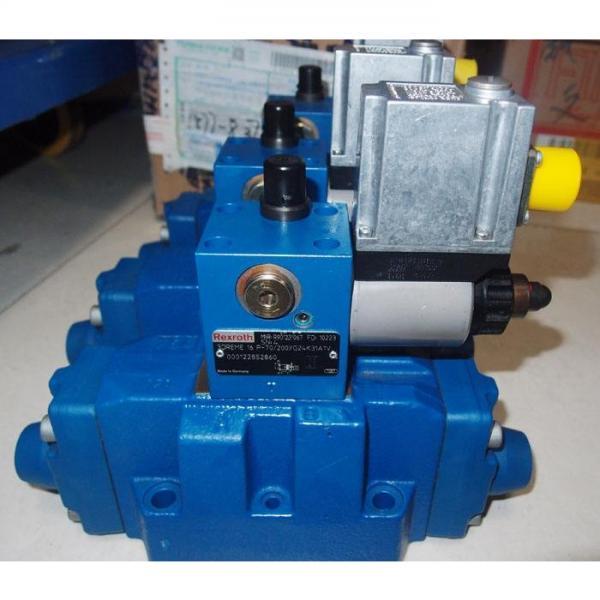 REXROTH 4WE 10 E3X/CG24N9K4 R900588201 Directional spool valves #2 image